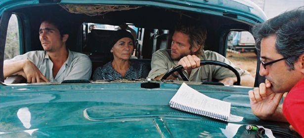 Cinema Aspirinas e Urubus (2005) -  Resumo